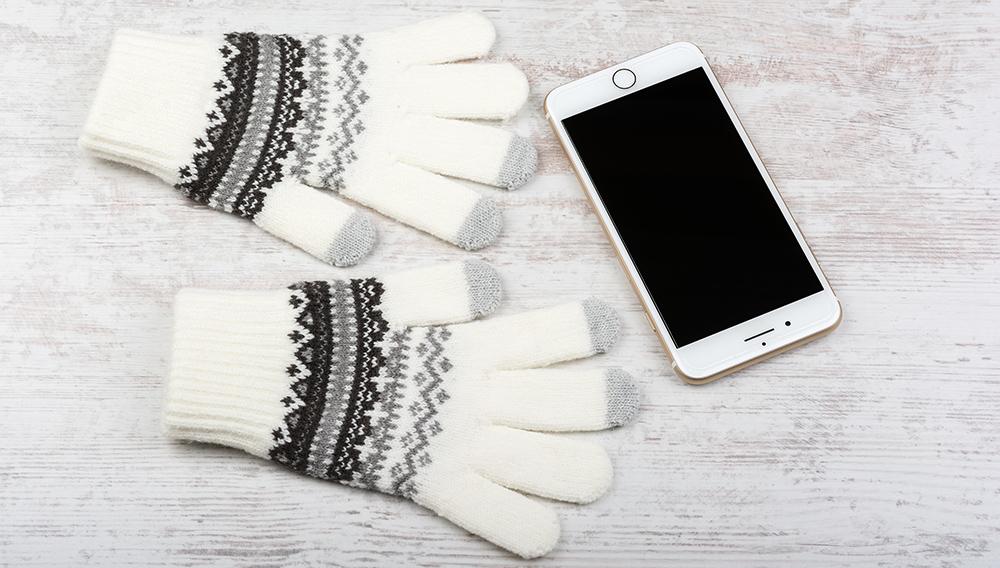 How do Touchscreen Gloves Work?