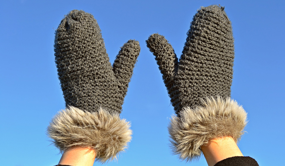 Mittens to Keep Hands Warm in Cold